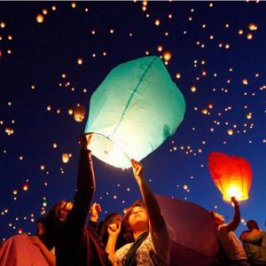 10pcs-Flying-Wishing-Lamp-Hot-Air-Balloon-Kongming-Lantern-Cute-Love-Heart-Sky-Lantern-Wedding-Party.jpg_640x640